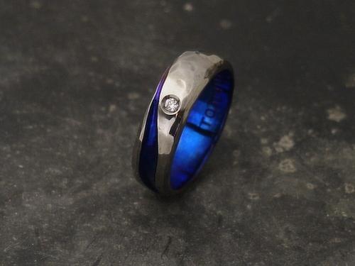 ダイヤモンド入り男性用チタンリング